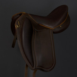 Doline II demo saddle