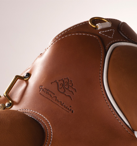Destocking saddles demo - Saddlery Gaston Mercier