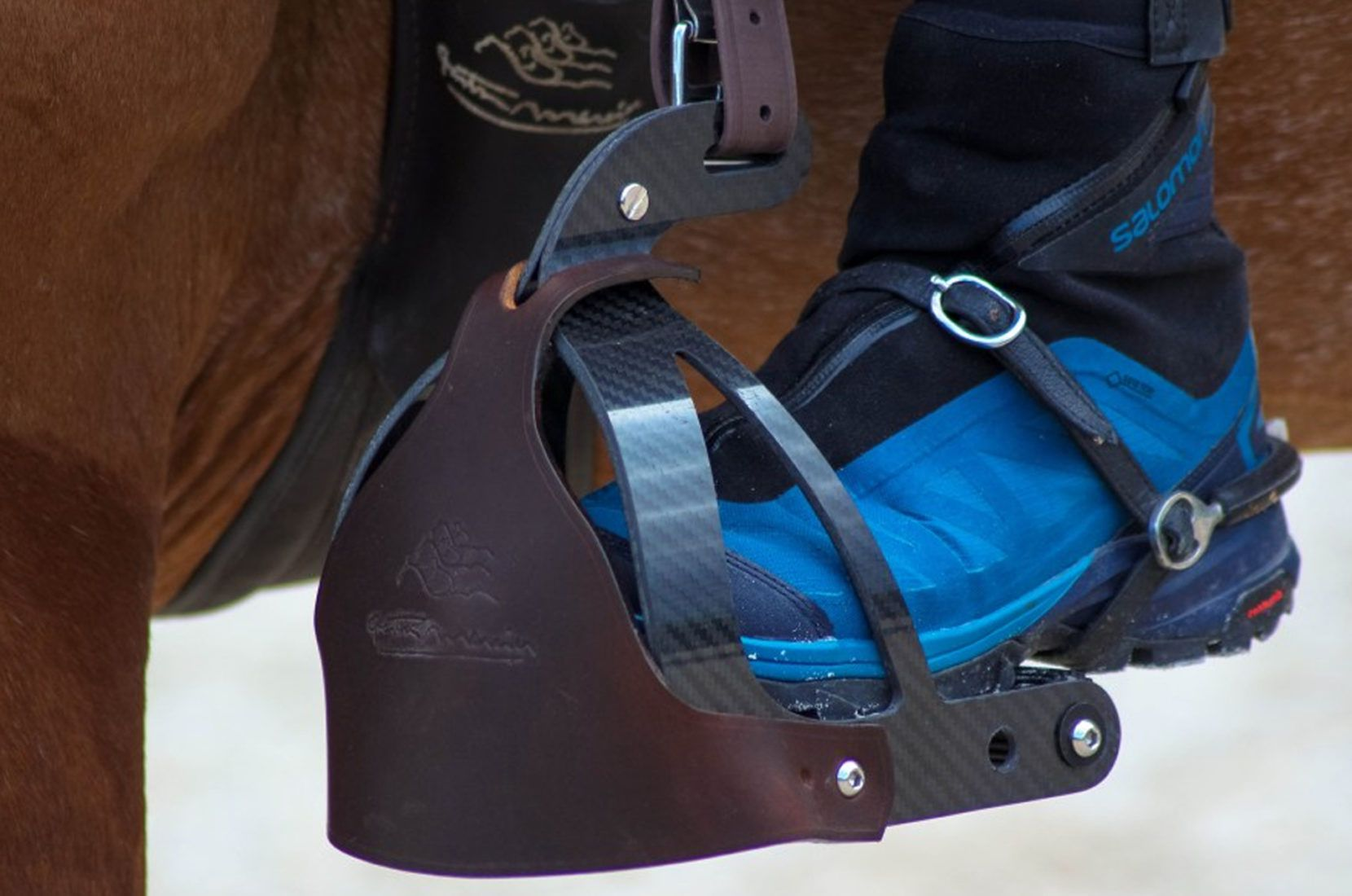 Bi-Relax Carbon Stirrups Gaston Mercier: crash test by the Horsyklop Blog !!