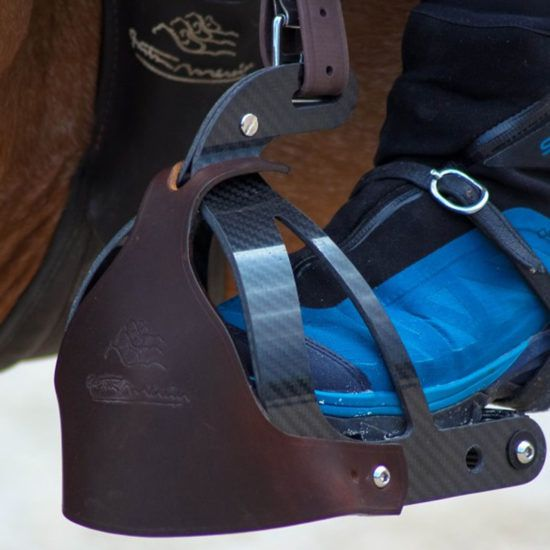 Gaston Mercier untacks his demo and exhibition saddles at incredible prices !!